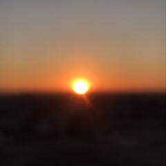日の出/冬/風景 朝が苦手なので、日の出に立ち会うのは年に…