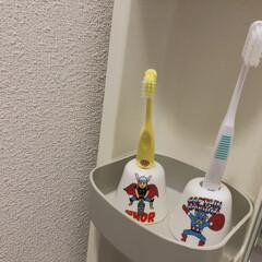 MARVEL マーベル ハブラシスタンド 歯ブラシ立て ソー SAN2621-2 サンアート sunart プレゼント | MARVEL(歯ブラシ立て)を使ったクチコミ「我が家ではキャプテンとソーが いつも歯ブ…」