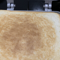 食べ過ぎ注意/焼きそばサンド/眠ってたホットサンドパン 年代物のホットサンドパン!!  久しぶり…(2枚目)