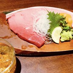 刺身/マグロ/朱色 札駅の居酒屋で梅酒といただいた もはや肉