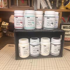 塗料比較/ミルクペイント/ナチュラルミルクペイント/100均DIY/ダイソー/DIY やっとこさダイソーのナチュラルミルクペイ…