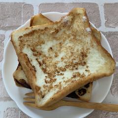 朝ごはん 「牛乳パン」  子供の頃によく母が作って…