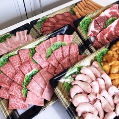 フォロバ/黒毛和牛/和牛/美味しい/焼肉/食材/... おはにさむにだ‼️😱 今日はお昼の🥩お肉…