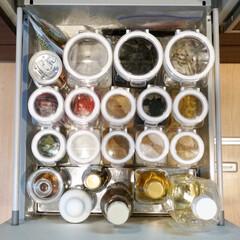 プラスチック 密閉 保存容器 フレッシュロック お試し4個セット ホワイト(食品保存容器)を使ったクチコミ「調味料の収納にはフレッシュロックを使って…」