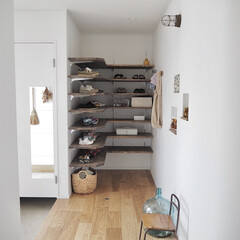 古道具のある暮らし/古道具/シューズクローク/可動棚収納/可動棚/玄関インテリア/... 我が家のシューズクローク👟. 流行りのウ…
