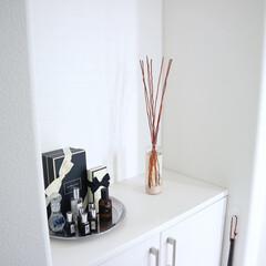 玄関インテリア/ディフューザー/購入品/ディスプレイ/mercyu 玄関に新しいディフューザー。 このシリー…