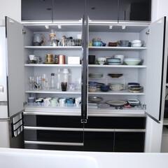 食器棚収納/食器棚/収納/キッチン収納/暮らし/カップボード収納 キッチンシンク後ろの食器棚。 向かって右…