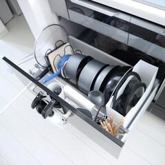 ティファールガラス蓋 インジニオネオ18cm L99362 3168430180864 | ティファール(圧力鍋)を使ったクチコミ「フライパン収納は、1番使う場所に近いコン…」