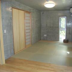和室/コンクリート打ち放し/縁なし畳/畳み敷き