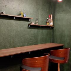 オシャレ空間/リビングインテリア/おうちカフェ/バーチェア/カウンターテーブル/DIY/... 照明付けたら良すぎて最高! おうちカフェ…(2枚目)