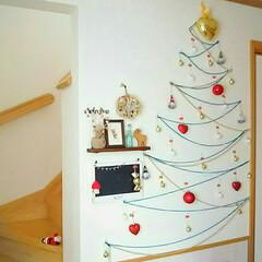 オーナメント/毛糸/壁面ツリー/クリスマス/壁面ディスプレイ/クリスマスツリー 場所を取らないクリスマスツリー  壁面に…