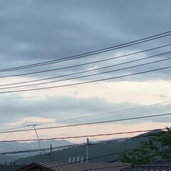 空/夕焼け 久しぶりに夕焼けが見れました👀 午後6時…(1枚目)