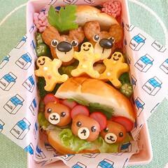 キャラ弁/サンドイッチ/くまさん/可愛い/お弁当/ミッキーバーグ/... くまさんロールパンサンド 市販のミッキー…