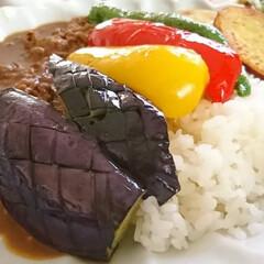 ビーフカレー/スパイス/カレー/素揚げ/ししとう/パプリカ/... 夏野菜のせビーフカレー  野菜を素揚げし…