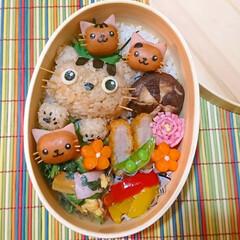 ウインナー飾り切り/ねこ/曲げわっぱ/わっぱ弁当/キャラ弁/おうちごはん おはようございます 大好きな猫ちゃんをい…