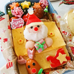 クリスマス2019/クリスマス弁当/オムライス弁当/キャラ弁/マッシュポテト/可愛い/... サンタさんオムライス弁当 サンタさんが窓…