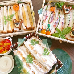 くまさん/デコ弁/キャラ弁/ランチボックス/可愛い/サンドイッチ/... おはようございます 昨日友人宅のランチに…