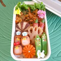 野菜たっぷり/ペンギン/ウインナー飾り切り/ピック/デコ弁/飾り切り/... 今日のお弁当 暑い日が続いているので… …