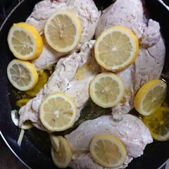LIMIAごはんクラブ 鶏ムネ肉のオリーブオイル煮です😌💓ムネ肉…(1枚目)