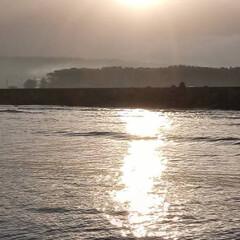 鳥海山/朝陽 会社の人が朝釣りに行った時の鳥海山の朝陽…(2枚目)