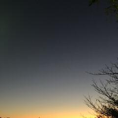 夕焼け大好き/冬 学校の帰り道。 この空を見るとだんだん冬…(1枚目)