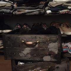 ヴィンテージWax/エイジング加工/端材リメイク/1x4材/ヴィンテージ風/収納/... 1x4で洋服棚を製作した端材を使って洋服…