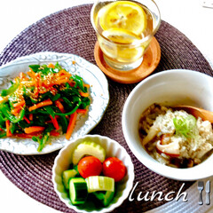 野菜たっぷり/お家ごはん/昼ごはん/簡単/暮らし/節約/... お昼ごはんです。 昨日から野菜不足、炭水…