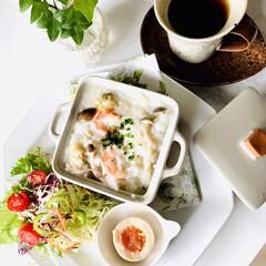 お家ごはん/朝ごはん/シーフードとキノコのチーズリゾット/食卓/手作り/暮らし おはようございます🌱 寒い、雨模様☂️ …