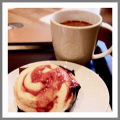 コーヒータイム/寛ぎ/コーヒー好き お昼は、スタバで 大好きなコーヒー☕️と…