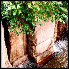 人工の滝/オアシス/癒し/暮らし ビルの中にある人工の滝 都会の中にも、こ…(1枚目)