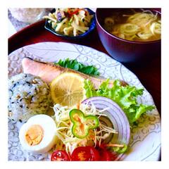 お家ご飯/朝ごはん/朝しっかり食べる派/ご飯好き/野菜好き/暮らし/... おはようございます☀  今朝も冷えました…