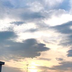 そら/夕暮れの空/窓から見る空/暮らし 午後から晴れて、 幾つかの用事を済ませて…