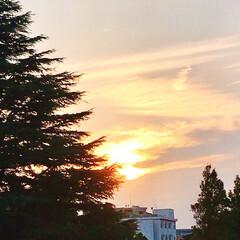 夕暮れ/夕焼け/ベランダからの風景/暮らし 今日の夕暮れの風景。  17:30には、…(3枚目)