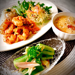 お家ご飯/晩ごはん/ガーリックシュリンプ/胡瓜サラダ/卵トマトのスープ/暮らし 今日は、暑くて一日中エアコン 体がついて…