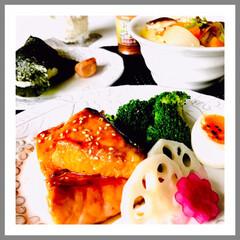 お家ごはん/朝ごはん/寒すぎる朝/温かいもね食べたい/野菜たっぷり/手作り/... おはようございます。  ☔️で寒いあさで…