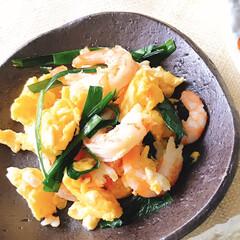 スタミナ丼/夏に向けて/スタミナご飯/スタミナ飯/スタミナ盛り 今夜のおかずは、 鯛の兜煮 海老、卵、ニ…(2枚目)