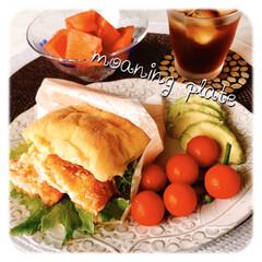 スタミナ丼/夏に向けて/スタミナご飯/スタミナ飯/スタミナ盛り おはようございます☁️ 今朝はパンにしま…