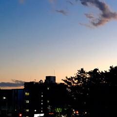 夕暮れ/風景/LIMIAFESTA/暮らし 家から見た 夕暮れの景色 自然の空の色が…