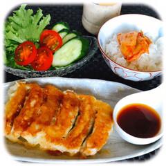 うちの定番料理/昼ごはん/lunch/冷凍餃子/やる気がない日のご飯 お昼ですねー。  何をたべようか?やる気…