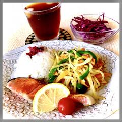お家ご飯/朝ごはん/しっかりご飯/お米好き/魚好き/野菜好き/... おはようございます😊  今日の朝ごはんは…