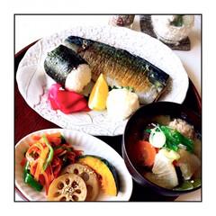 お家ご飯/朝ごはん/粕汁/野菜たっぷり/朝しっかり食べる/暮らし/... 今日の朝ごはん 焼き鯖 粕汁 野菜色々 …
