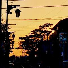 夕暮れの景色/夕焼け/空/月/星/家の近くの夕景 病院の帰り道、 疲れて歩いて帰る道 近所…(2枚目)