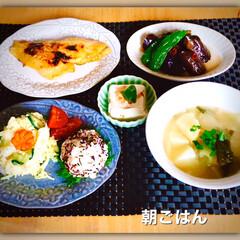 朝ごはん/和食/一日の始まり/暮らし おはようございます☀ 朝ごはんは、和定食…