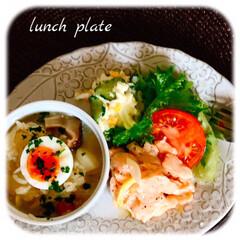 うちの定番料理/お家ごはん/ランチ/暮らし/節約料理 お昼ご飯です。  作り置き、残り物で一皿…