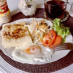 お家ごパン/朝ごはん/モーニングプレート/シナモントースト/コーヒー党/サラダ好き/... おはようございます😊  涼しくなり、朝の…
