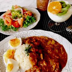 お家ごはん/昼ごはん/ランチ/鰯缶カレー/手作り/スモークサーモンサラダ/... こんにちは♡ 暖かい土曜日☀️ 朝から、…