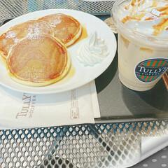 カフェラテ/パンケーキ/タリーズコーヒー/おやつタイム/おでかけ 久しぶりにお友達とお出かけ💄👗👜🎀👠  …