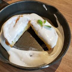 休日のひと時/至福のひととき/スイーツ好き/北海道メルトテーブル/ミルクキャップパンケーキ/バニラクリーム/... 真っ白パンケーキ🥞 上のを取ったあとは……(2枚目)