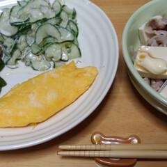 フード 結局 キューリ半分ゴママヨ😊椎茸とピーマ…(1枚目)
