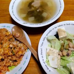 野菜スープ/キムチチャーハン/リミアの冬暮らし/暮らし/節約 100円くらい、ご飯だな(^0^)  酎…(1枚目)